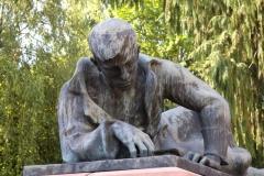 Kriegerdenkmal 07