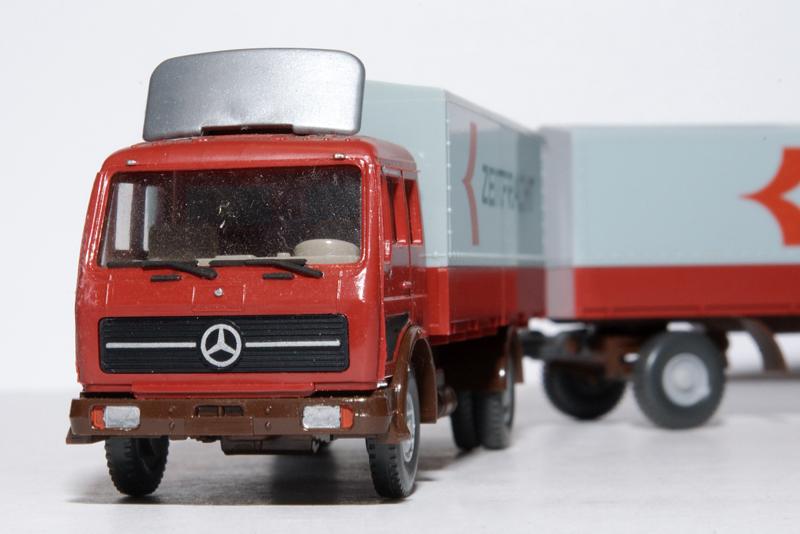 Mercedes LKW Zug Pritsche